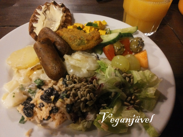 Vegan buffet at Café Veganissimo